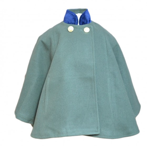 Entrelacitos Forest Green Cape with Navy Velvet Trim FROM